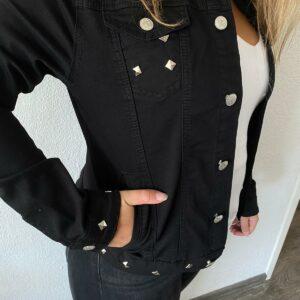 Spijkerjasje zwart met studs maatXL