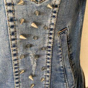 Trendy blauw spijkerjasje